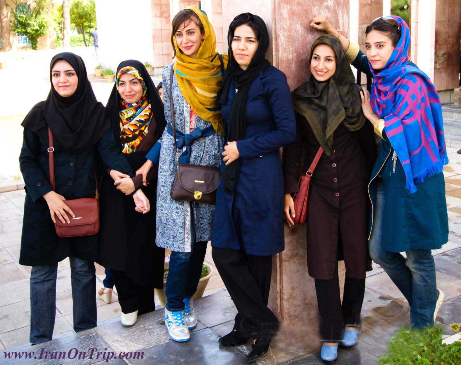 Iran-Dress-Code-in-Iran