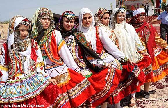 Khorasani Kurds dresse