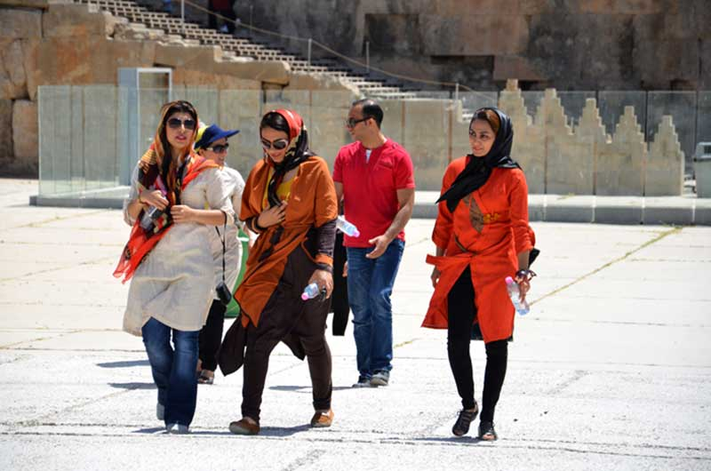 Women-Dress-Code-Iran