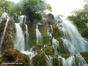 Niyasar-Waterfall-Kashan-Iran